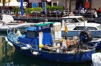 Fischerboot im Hafen von Savona - Ligurien