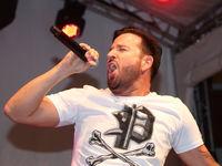 Sänger Michael Wendler bei einem Kurzauftritt am 23.06.2018 in Magdeburg