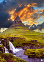 The famous mountain in Iceland