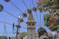 Windspiel mit Durchblick auf den Mangturm, Lindau Insel, Bodensee