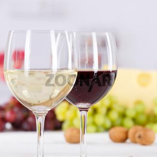 Wein Gläser Weingläser Weißwein Rotwein Weisswein Weintrauben Quadrat