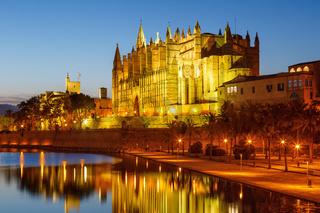 Catedral de Palma de Mallorca Kathedrale Kirche Textfreiraum Copyspace Nacht Reise Reisen Spanien