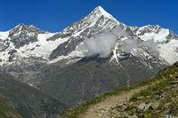 Das Weisshorn über dem Mattertal
