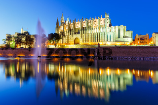 Catedral de Palma de Mallorca Kathedrale Kirche Abend Nacht Reise Reisen Spanien