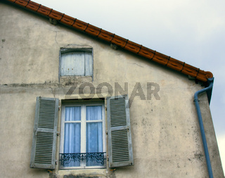 Framed window in medieval and classical architecture