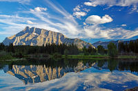 Titelbild See nahe Banff.jpg