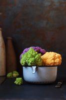 Romanesco, lila und gelber Blumenkohl