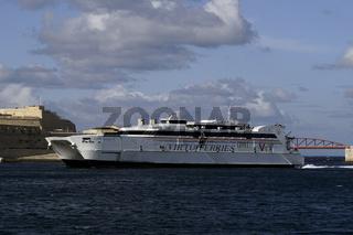 Katamaran-Fähre Jean de la Valette der Reederei Virtu Ferries