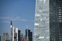 EZB und Skyline von Frankfurt