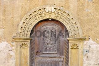 die Stadt Aub in Deutschland, altes Portal - the town Aub in Germany, old Portal