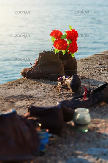 Memorial shoes on Danube