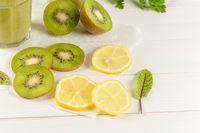 Green vegetable smoothie ingredients