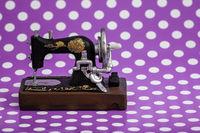 Vintage Sewing Machine Figurine