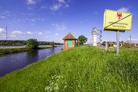 Ehemaliger Wachturm an der Elbe bei Lenzen, Brandenburg, Deutschland