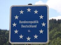 Grenzschild Bundesrepublik Deutschland am Grenzübergang Dürrnberg