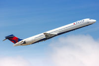 Delta Air Lines McDonnell Douglas MD-90 airplane Fort Lauderdale airport