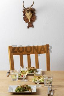 Kässpätzle auf dem Tisch