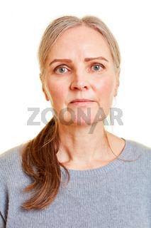 Frontales Gesicht einer alten Frau
