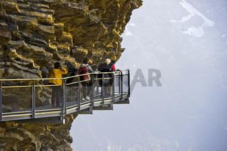 Ausgesetzter Felssteg über dem Abgrund, First Cliff Walk by Tissot, Grindelwald, Schweiz
