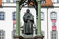 Lutherdenkmal auf dem Marktplatz in Wittenberg