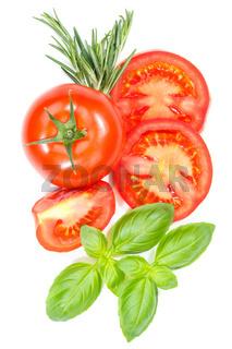 Tomaten mit Basilikum Gemüse von oben Hochformat freigestellt Freisteller isoliert