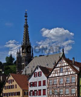 Frauenkirche und Fachwerkhäuser in Esslingen am Neckar