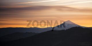 Sunrise View Prescott Park Mt McLoughlin Cascade Mountain Range