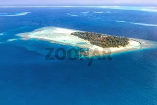 Malediven Insel Urlaub Paradies Meer Textfreiraum Copyspace Panorama Embudu Resort Luftbild