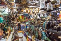 Einkaufen auf dem Chatuchak-Markt in Bangkok