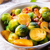 Roasted Brussels sprouts with honey and sesame from the oven