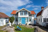 Gebäude im Ort Gullholmen in Schweden