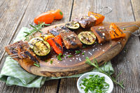 Vegetarische Spieße vom Grill
