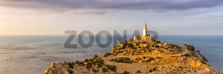 Mallorca Cap Formentor Landschaft Natur Leuchtturm Meer Panorama Textfreiraum Copyspace Balearen Reise Reisen Spanien