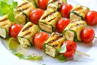 Feta-Zucchini-Spieße gegrillt