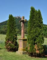Steinkreuz am Fuße der Burg Hohenzollern