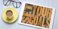 set your goals text on a tablet