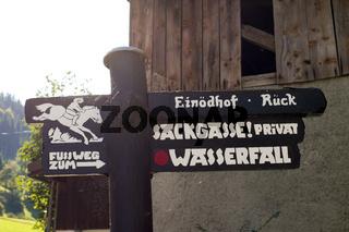 Schilder im Allgaeu. 008