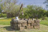Ziehbrunnen eines Bauernhofes