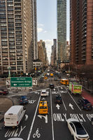 Strasse in New York City mit Verkehr