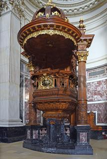geschnitzte Kanzel, Berliner Dom, Berlin, Deutschland