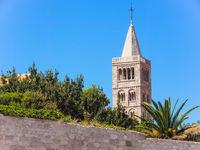 Glockenturm der Marienkirche in Rab, Kroatien