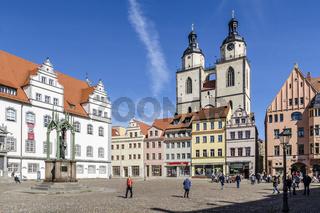 Wittenberger Marktplatz mit Rathaus und Stadtkirche