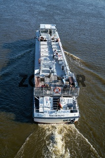 Passagiere auf dem Motorschiff 'MS Stadt Wolfsburg'