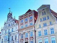 Historische Gebäude am Neuen Markt in Rostock, Deutschland
