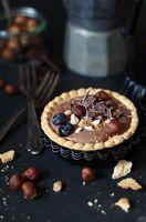 Tartlett mit Schokocreme, Haselüssen und Schokolade