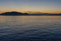 Abendstimmung im Fjord vor Ålesund, Norwegen