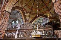 Chorgitter und Kuppel im Hauptschiff, Meldorfer Dom, St.-Johannis-Kirche, Meldorf, Deutschland