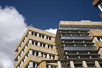 Moderne Wohn- und Geschäftsgebäude (in Berlin)