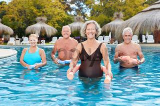 Gruppe Senioren im Aquafitness Kurs
