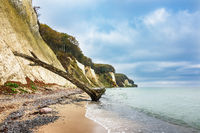 Die Ostseeküste auf der Insel Rügen im Herbst